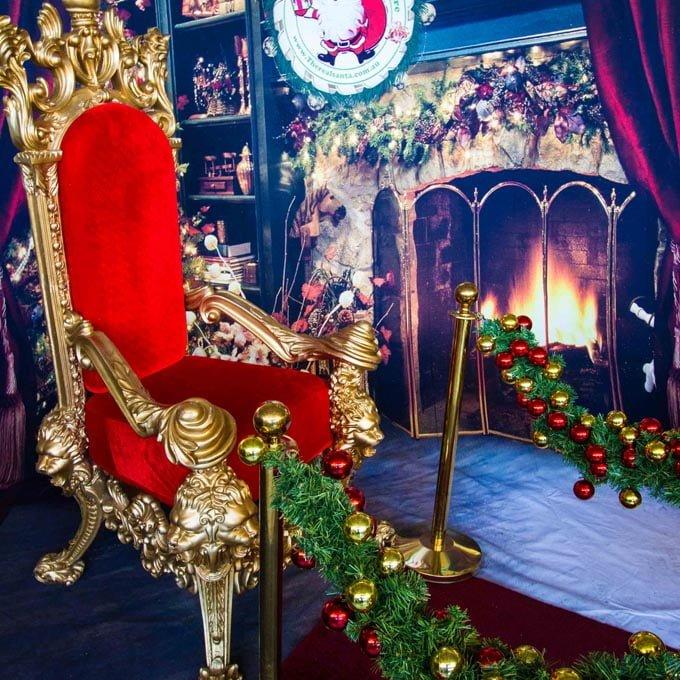 Backdrop Throne Bollards Carpet
