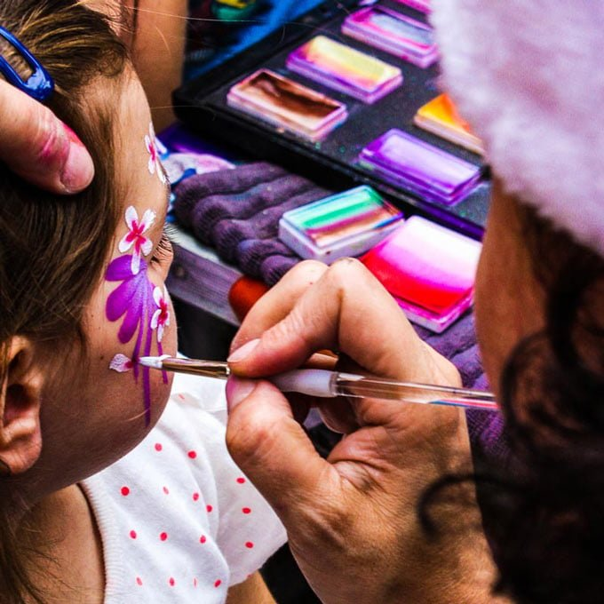 Meet Facepainting Elf