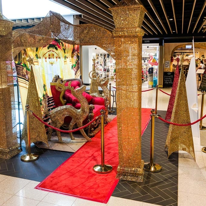 Red Carpet Shopping Mall