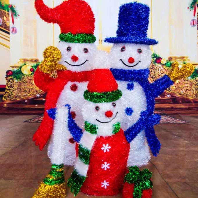 Snowman Family Props