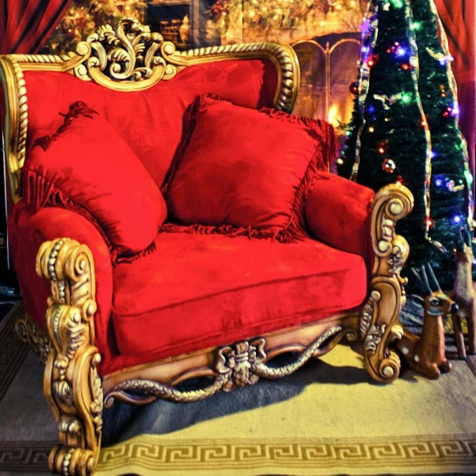 Grandiose Red Teak Throne - The Real Santa