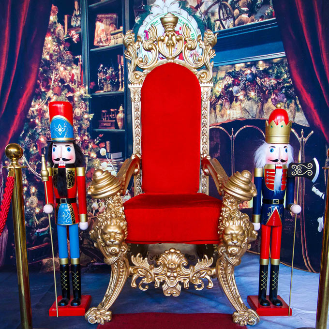 Royal Red Gold Throne - The Real Santa